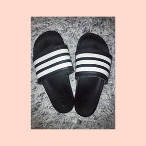3 stripe black adidas slides